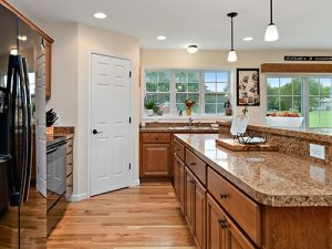 Home Design Ideas: Integrating a Butler's Pantry
